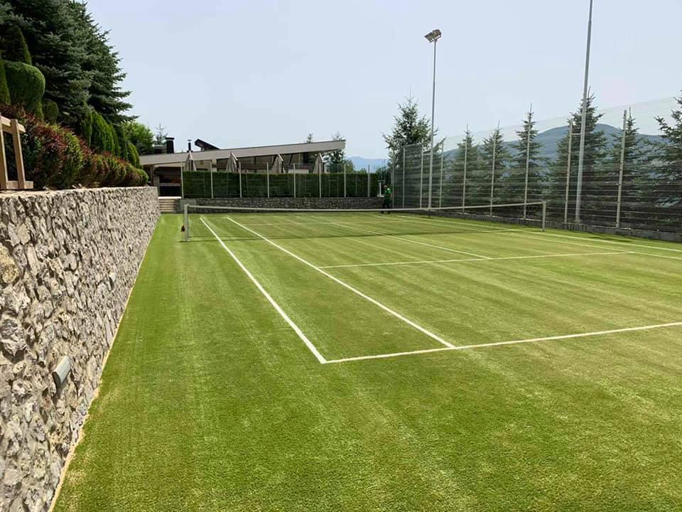 """Teniski teren sa vještačkom travom """"Robot"""""""